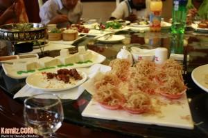 Makanan Muslim dilapik tisu bagi mudahkan pengecaman.. haha